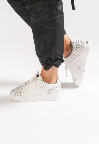 STUD-ED LOW TOP-WHITE/SILVER - Image 2