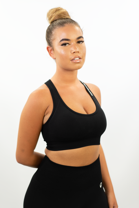 BLACK VOGUE CROP TOP