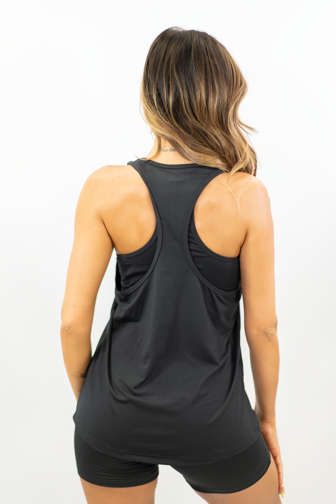 BLACK PERFORM VEST-TOP