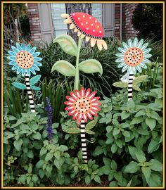 Round Top - Yard Stakes & Decorations