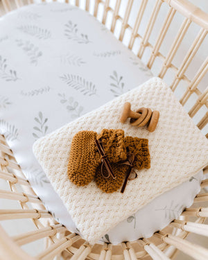 Load image into Gallery viewer, Wild Fern Bassinet Sheet / Change Pad Cover