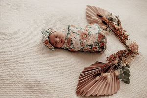 Load image into Gallery viewer, Florence Snuggle Swaddle Sack & Topknot Set