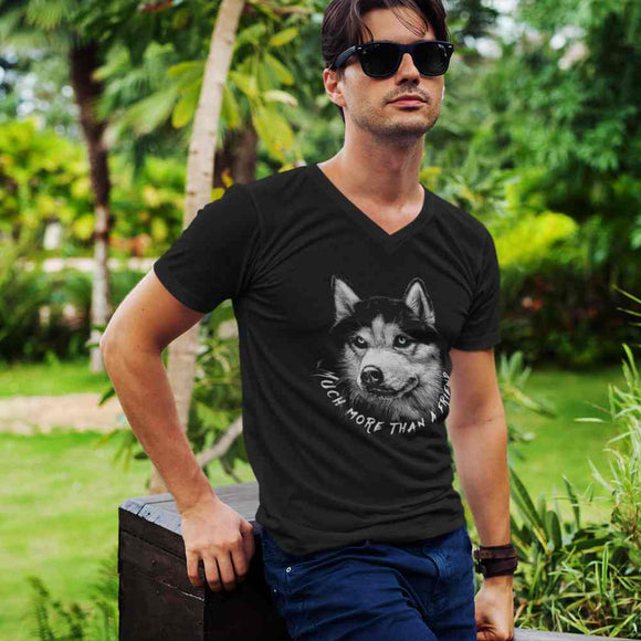 T-Shirt uomo Organic con scollo a V - Much more than a friend - AnimalStories.shop