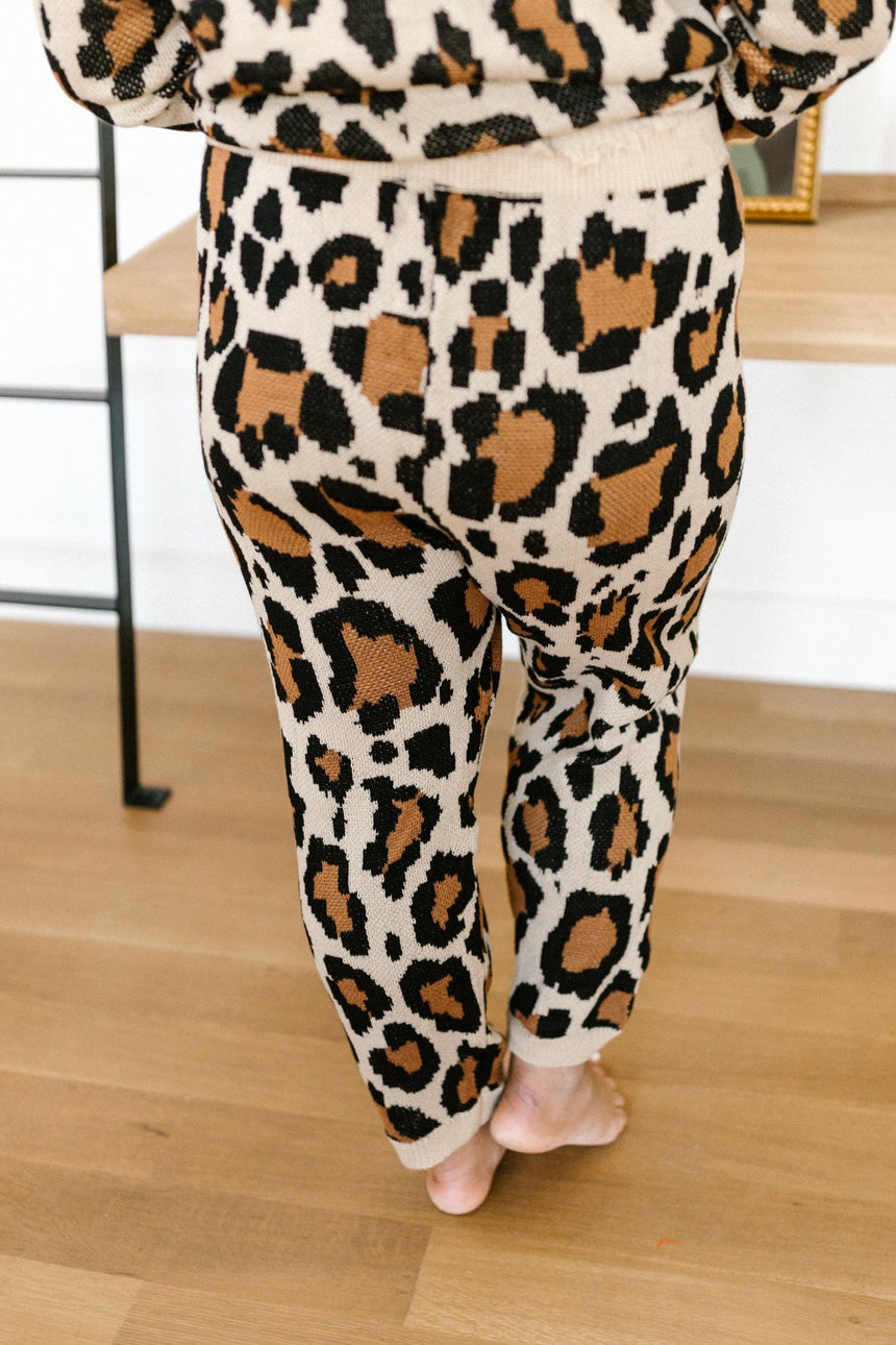 Chasing Sleep Lounge Set Joggers in Leopard