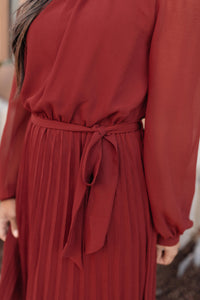 Simple And Pleated Dress in Rust