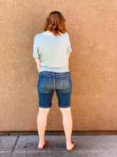 Load image into Gallery viewer, Judy blue Bermuda shorts