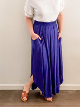 Load image into Gallery viewer, Navy maxi skirt