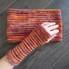 Cowl and wristwarmer design for beginners class