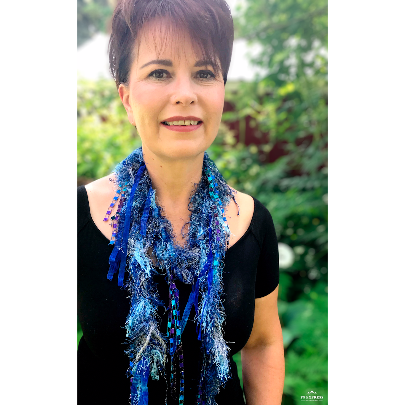 Necklace scarf - Furry Blues