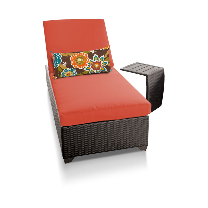 Classic Chaise Outdoor Wicker Patio Furniture With Side Table