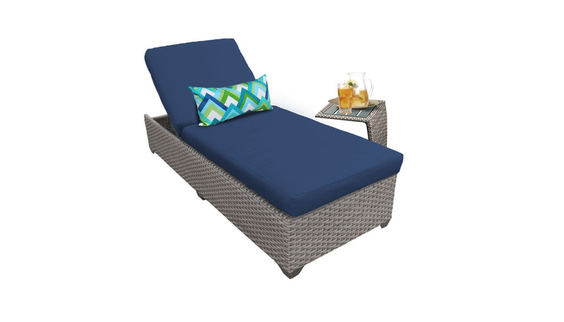 Florence Chaise Outdoor Wicker Patio Furniture With Side Table