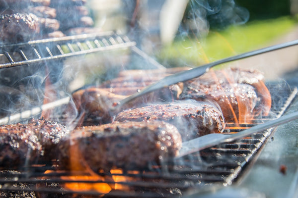 Is grass-fed beef healthier for you: steaks on a grill