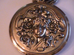 Locket of Changing Appearances