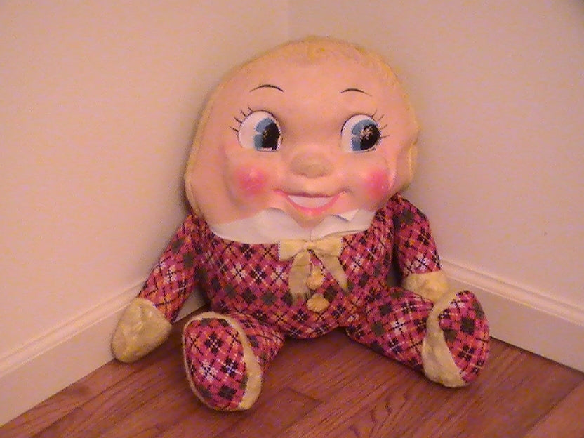 HUMPTY DUMPTY SAT ON THE WALL,AND WAS SCARY AS HELL!