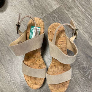 Primary Photo - BRAND: JESSICA SIMPSON STYLE: SANDALS LOW COLOR: BEIGE SIZE: 7.5 SKU: 132-13288-20817