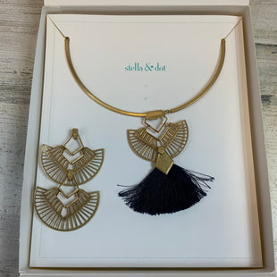 Primary Photo - BRAND: STELLA AND DOT STYLE: NECKLACE COLOR: GOLD SIZE: 02 PIECE SET OTHER INFO: INTERCHANGABLE SKU: 132-13288-20561CAN CHANGE OUT PENDANTS