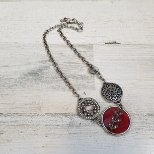 Primary Photo - BRAND: LUCKY BRAND STYLE: NECKLACE COLOR: SILVER OTHER INFO: RED SKU: 132-13288-19896