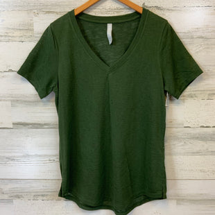 Primary Photo - BRAND: ATHLETA STYLE: ATHLETIC TOP SHORT SLEEVE COLOR: GREEN SIZE: M SKU: 132-13219-198283