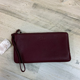 Primary Photo - BRAND: COACH STYLE: WRISTLET COLOR: BURGUNDY SIZE: L OTHER INFO: 8.5 X 4.5 SKU: 132-13288-20216