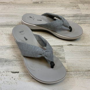 Primary Photo - BRAND: CLARKS STYLE: SANDALS LOW COLOR: GREY SIZE: 8 SKU: 132-13260-14232
