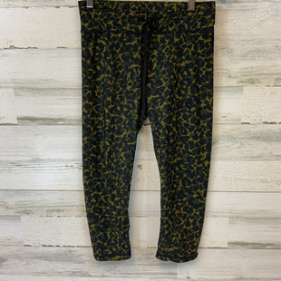 Primary Photo - BRAND:  THE UPSIDE STYLE: ATHLETIC CAPRIS COLOR: CAMOFLAUGE SIZE: M OTHER INFO: THE UPSIDE - 8 SKU: 132-13219-198248