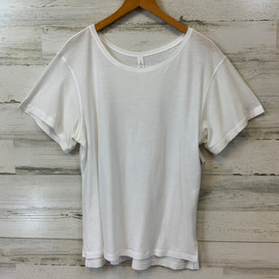 Primary Photo - BRAND: LULULEMON STYLE: ATHLETIC TOP SHORT SLEEVE COLOR: WHITE SIZE: S OTHER INFO: 6 SKU: 132-13288-20511