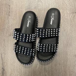 Primary Photo - BRAND:    CLOTHES MENTOR STYLE: SANDALS FLAT COLOR: BLACK SIZE: 7.5 OTHER INFO: FOREVER - STUDS SKU: 132-13288-20804