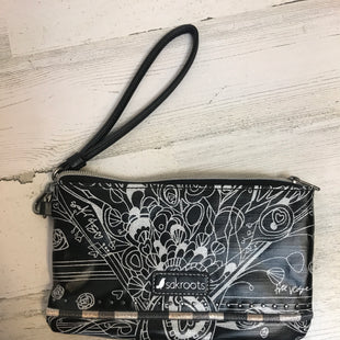 Primary Photo - BRAND: SAKROOTS STYLE: WRISTLET COLOR: BLACK OTHER INFO: 5.5 X 9 SKU: 132-13262-39219