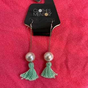Primary Photo - BRAND:  CME STYLE: EARRINGS COLOR: PEARL SKU: 132-13262-34551
