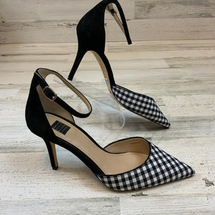 Primary Photo - BRAND: WHITE HOUSE BLACK MARKET STYLE: SHOES LOW HEEL COLOR: BLACK WHITE SIZE: 7 SKU: 132-13211-100212