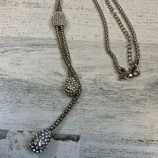 Primary Photo - BRAND: CHICOS O STYLE: NECKLACE COLOR: SILVER SKU: 132-13211-100164