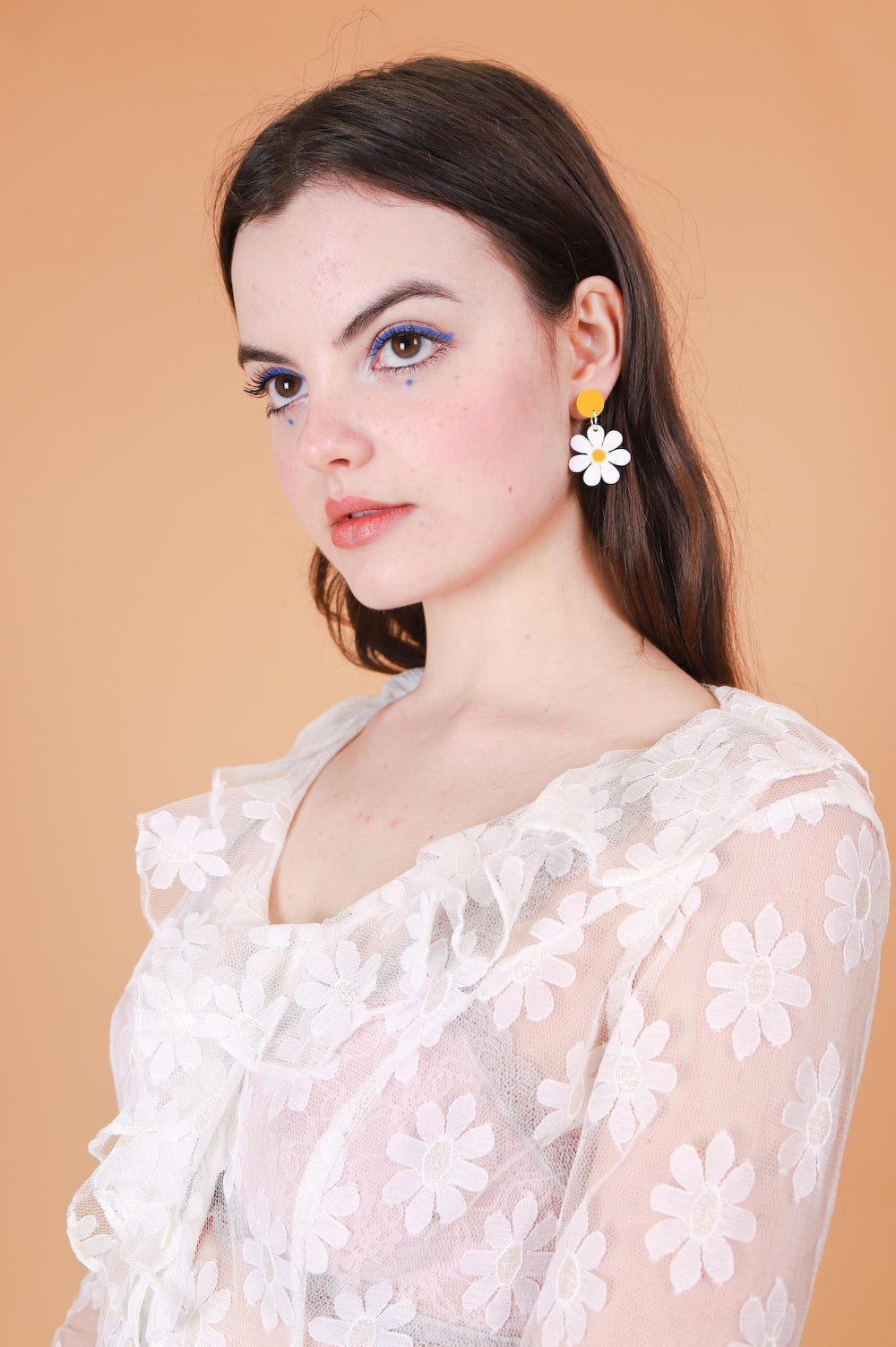 Daisy Earrings in Mini