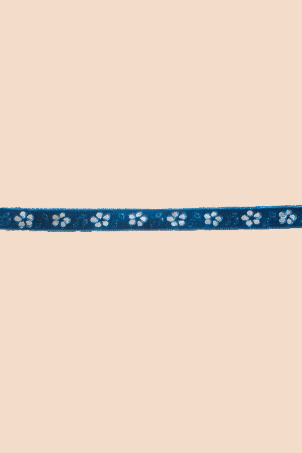 Flower Power Choker in Ocean