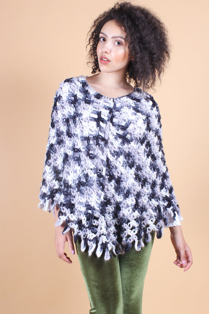 Vintage Lady Eleanor Grey Knit Poncho
