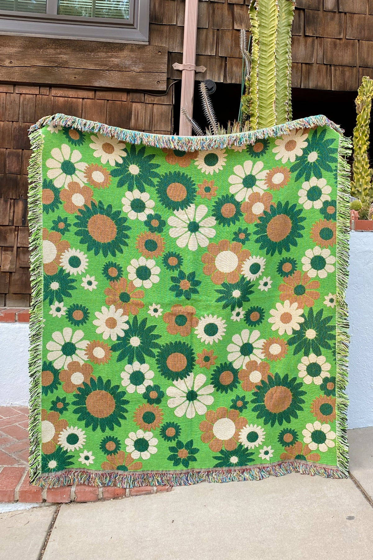 Green Daisy Woven Throw Blanket