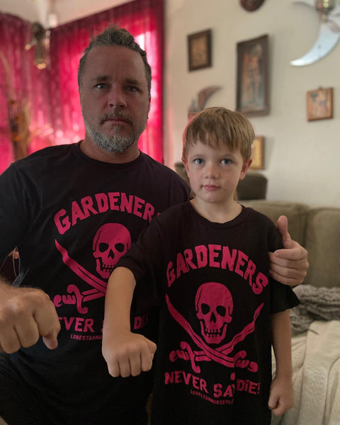 GARDENERS NEVER SAY DIE T-SHIRT - Pink on Black