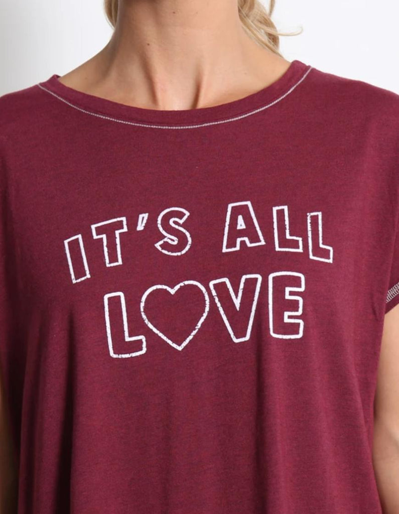 "Good Hyouman Claire ""It's All Love"" Tee- Cranberry - Styleartist"