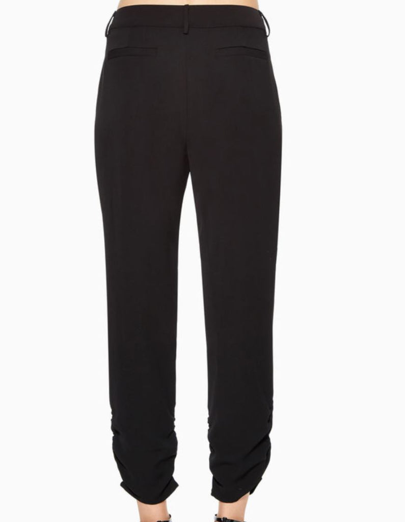Parker Devlin Cropped Pleated Pant - Black - Styleartist