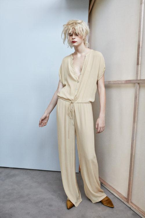 Rabens Martha Crinkle Jumpsuit - Nougat - Styleartist
