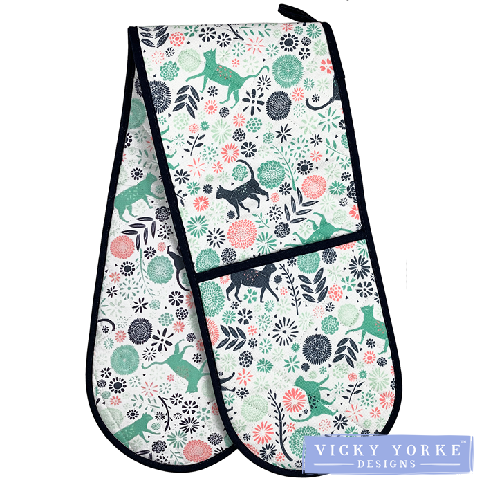 oven-gloves-cats