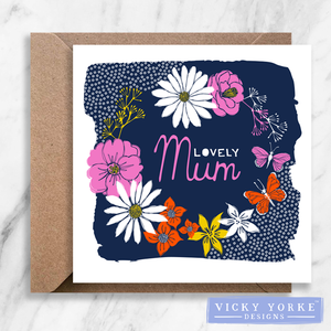 Greetings Card - 'Lovely Mum / Mom' - Floral Wreath