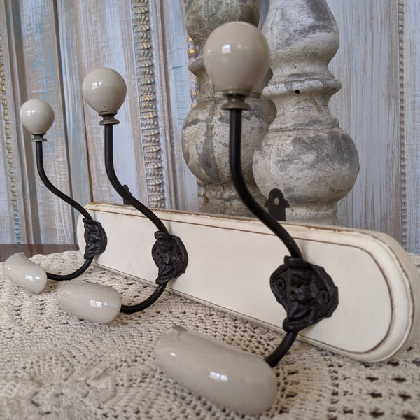 NEW Set of 3 Wall Hat Coat Door HOOKS French Vintage Shabby Chic Wood Cream Rack