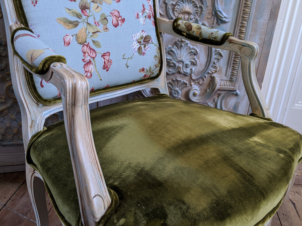 FRENCH LOUIS Cream Shabby Chic Painted Carved Floral LINEN Velvet Fireside Library Arm Chair