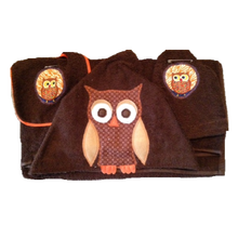 Load image into Gallery viewer, Owl Towel, Bib and Bath Mitt Set