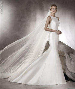 Pronovias Agnes Mermaid  sample sale wedding dress