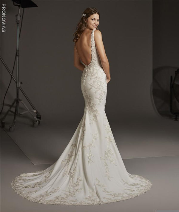 Auriga Pronovias wedding dress