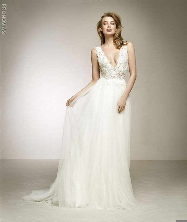 Pronovias Dalgo V-Neck Lace Top and Romantic Soft Tulle Skirt