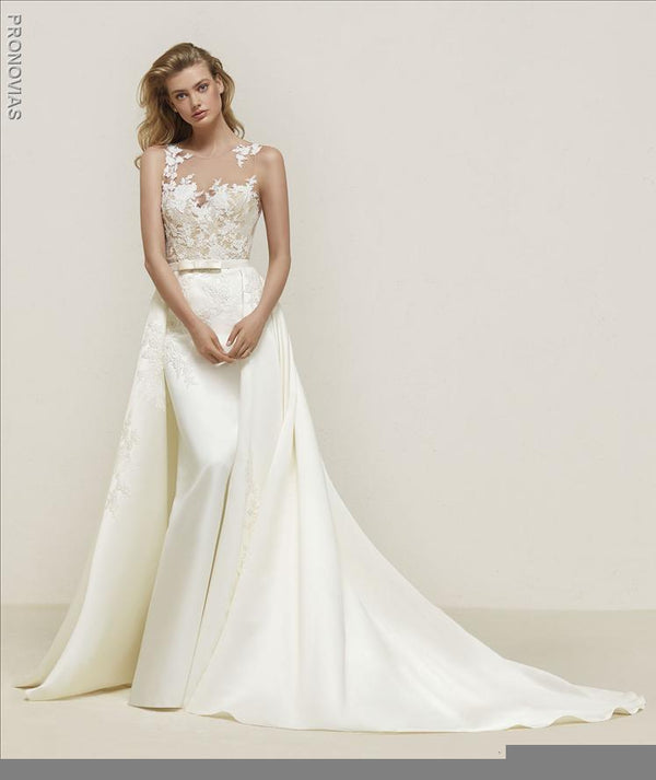Pronovias Dranoe edding dress with overskirt sample sale