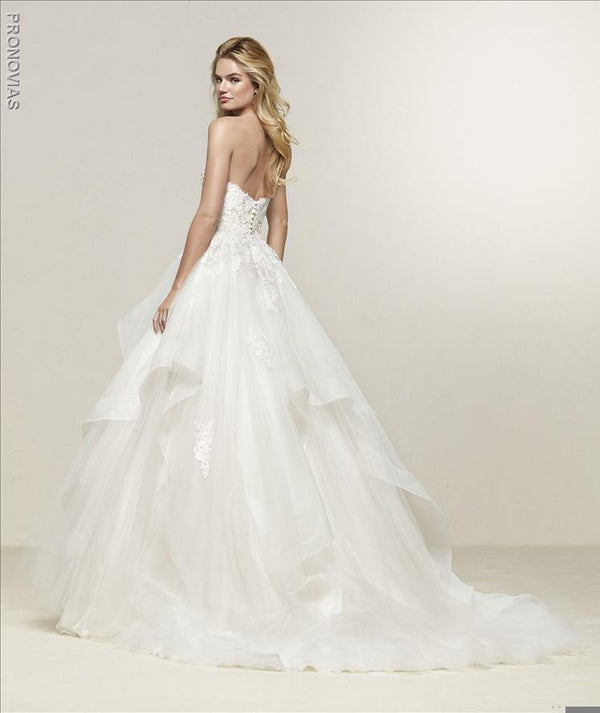 Pronovias Draval  Sweetheart sample sale