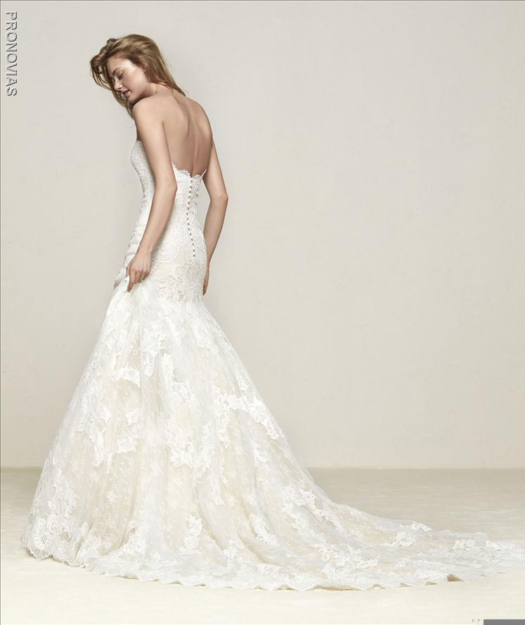 Pronovias Druida Mermaid Wedding dress with sweetheart neckline open back